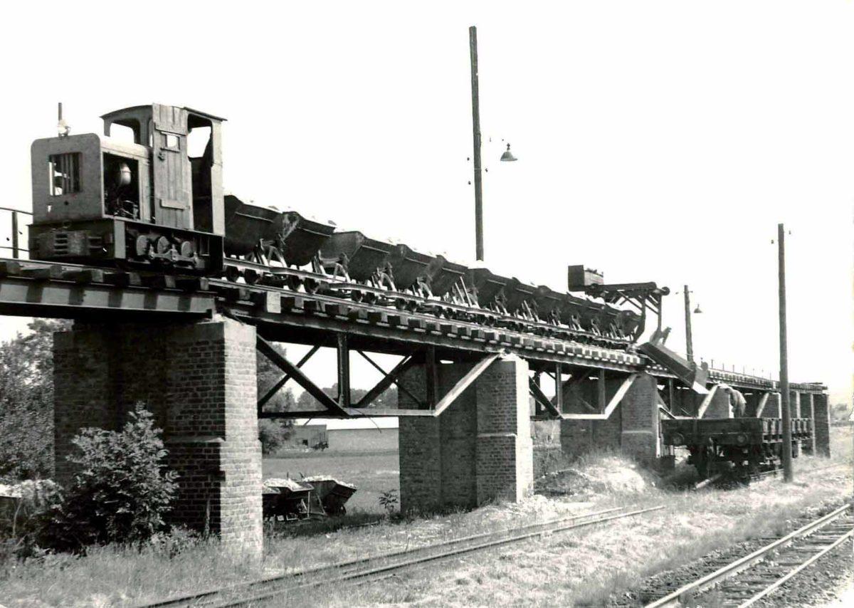 Verladeanlage_Feldbahn Glossen