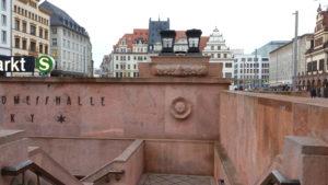 Das mit Porphyrtuff verkleidete Untergrundmessehaus in Leipzig; Foto: A. Krüger