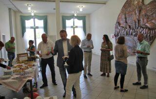 Diskussionen am Büffet in der GeoGenuss-Werkstatt am 13.09.2021